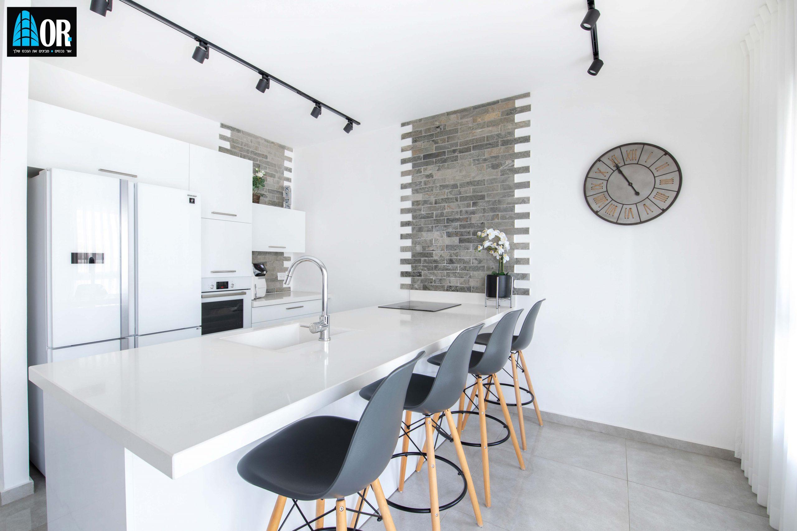 מטבח דירה 5 חדרים שכונה צמרות