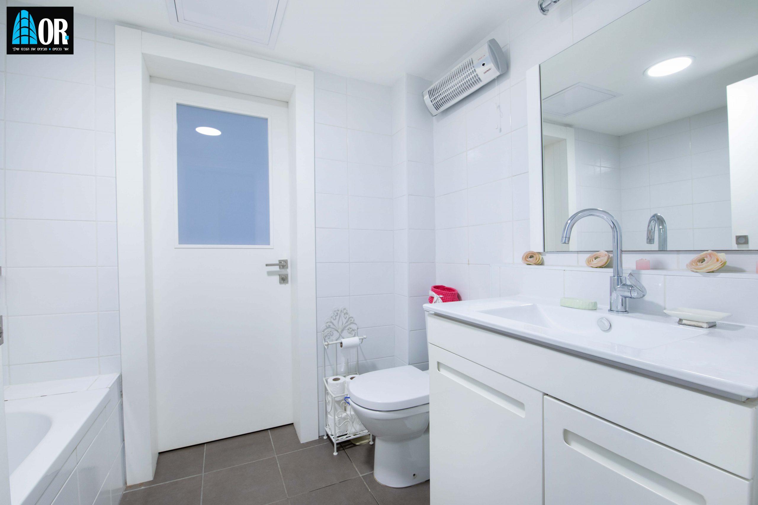 חדר רחצה דירה 4 חדרים שכונה תלמי מנשה